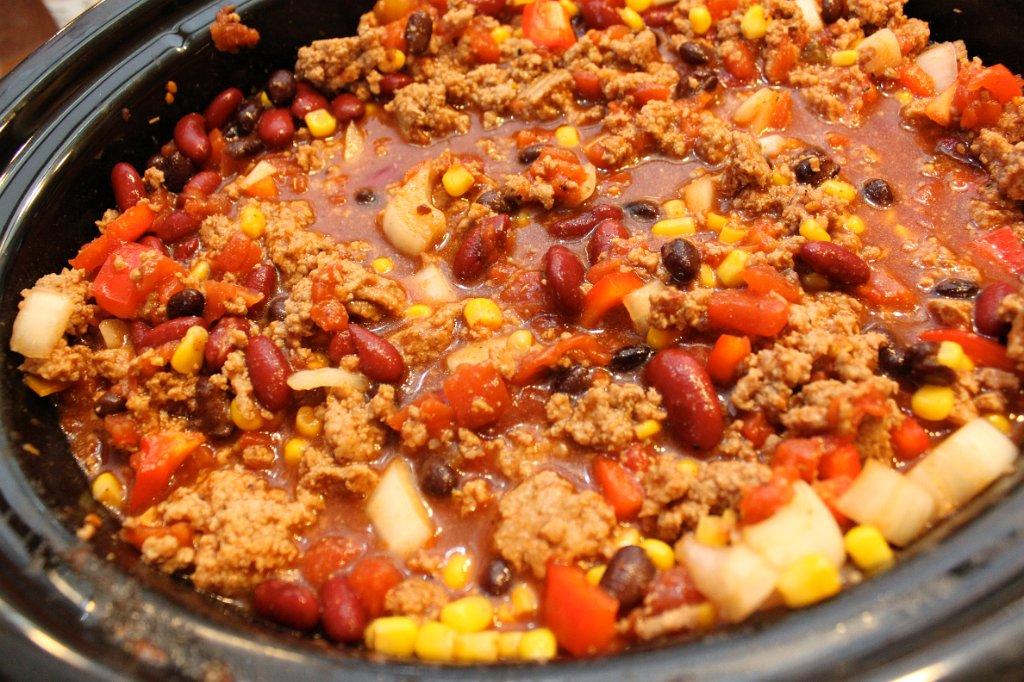 Easy Turkey Chili - momwithagoldenfork