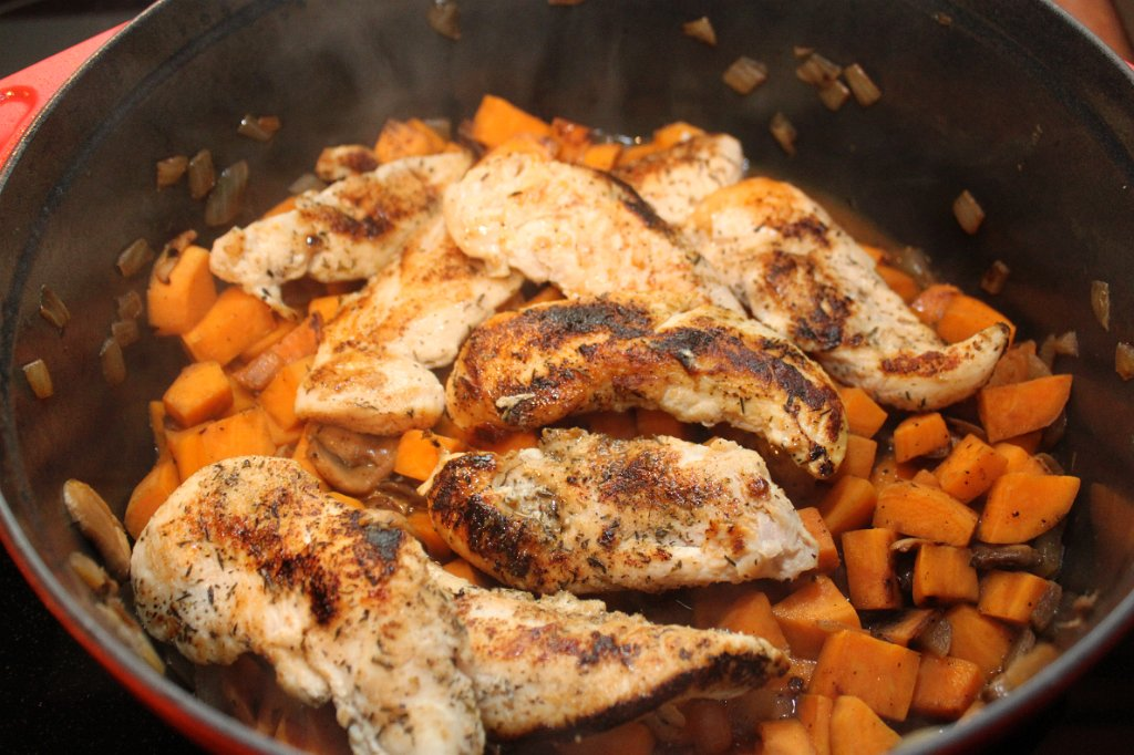 One-Pot Chicken with Sweet potatoes and Spinach